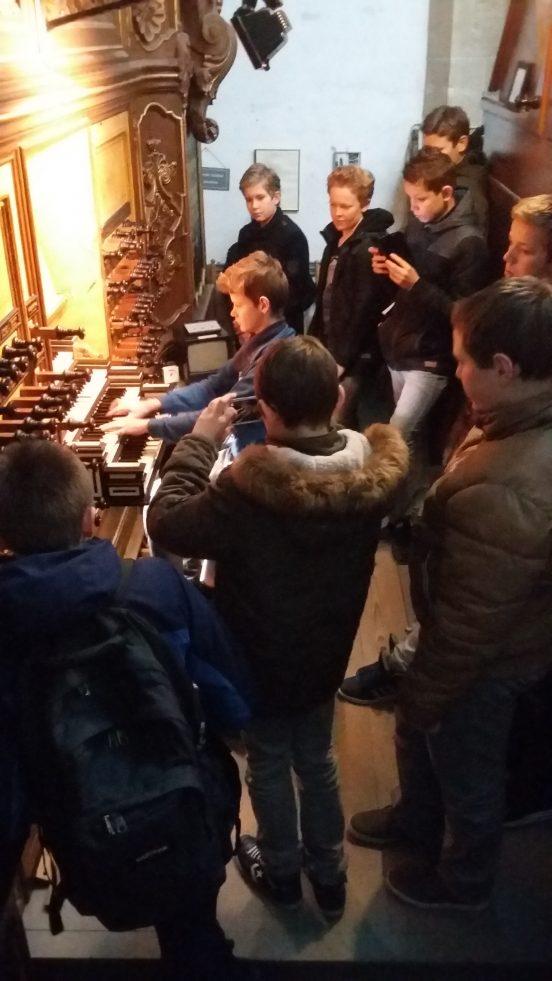 Excursie voor scholen: de orgels van de Bovenkerk